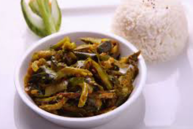 Long-green-brinjal-curry